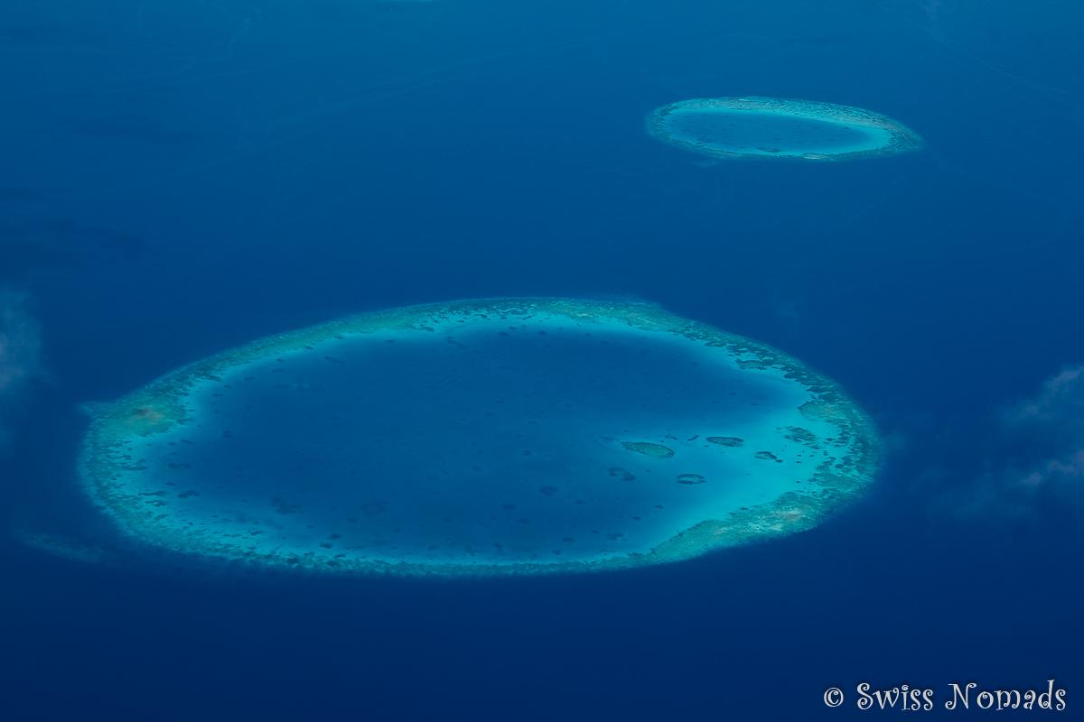 Malediven Reisetipps - Luftaufnahme der Atolle
